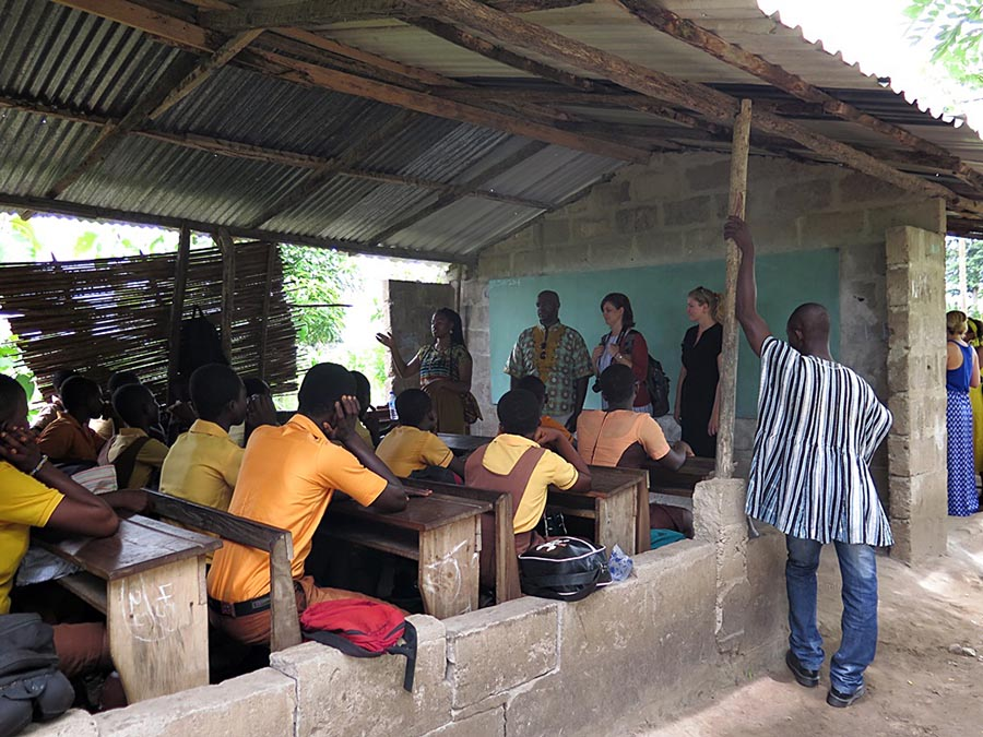 Ghana - Art History students - Airfield School 2014.