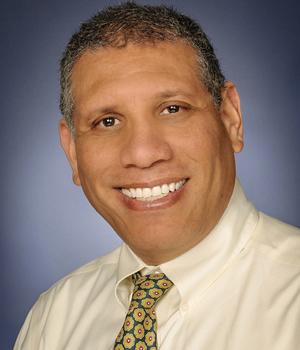 Dr. Carlos Estrano