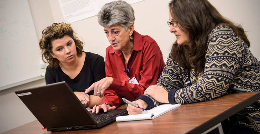 SPAL researchers discuss a project