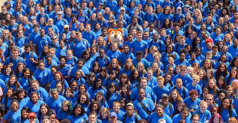 Students group photo with Tiger Mascot TOM