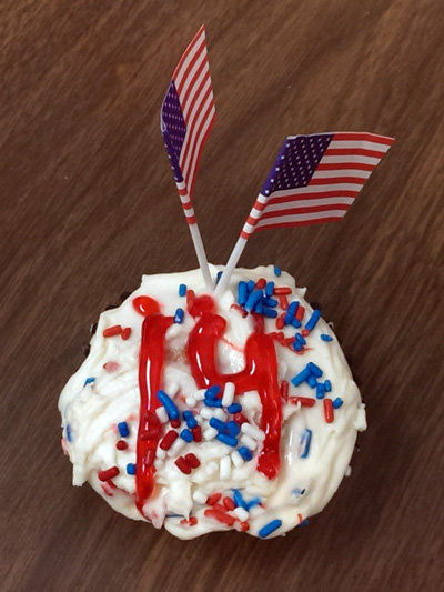 Cupcake decorated with 14th Amendment symbols
