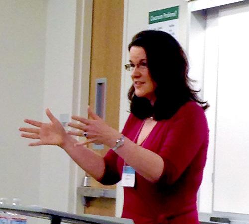 Dr Julie Elb