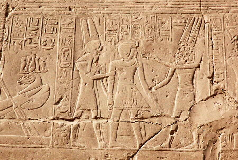 scene on the hull of Amun's river barge
