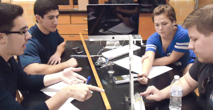 Students in Physics I Teaching Lab