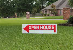 open house sign in yard