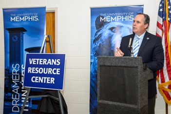 Photo of Dr. Rudd at VMSSC Grand opening Jan 22 2014